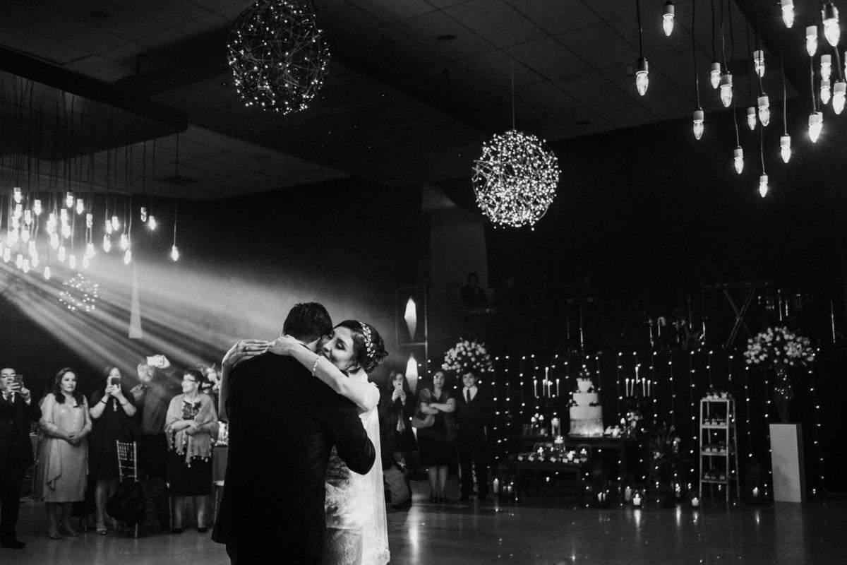 sesión de pareja en hotel cochabamba fotografía de bodas