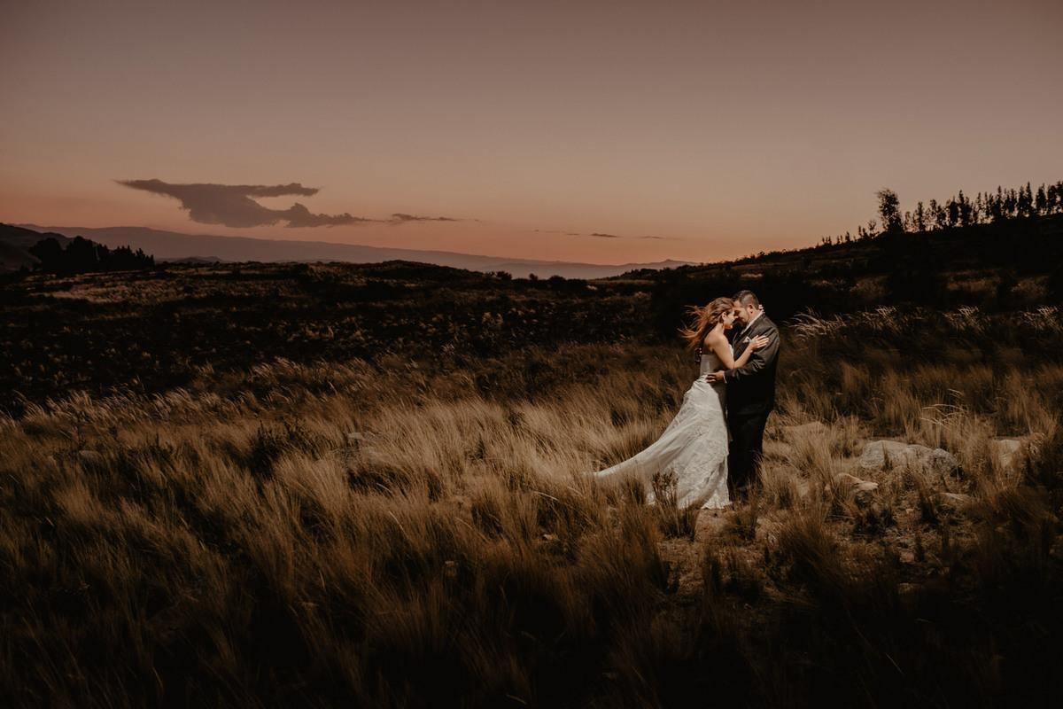 fotografia de aventura post boda en exteriores