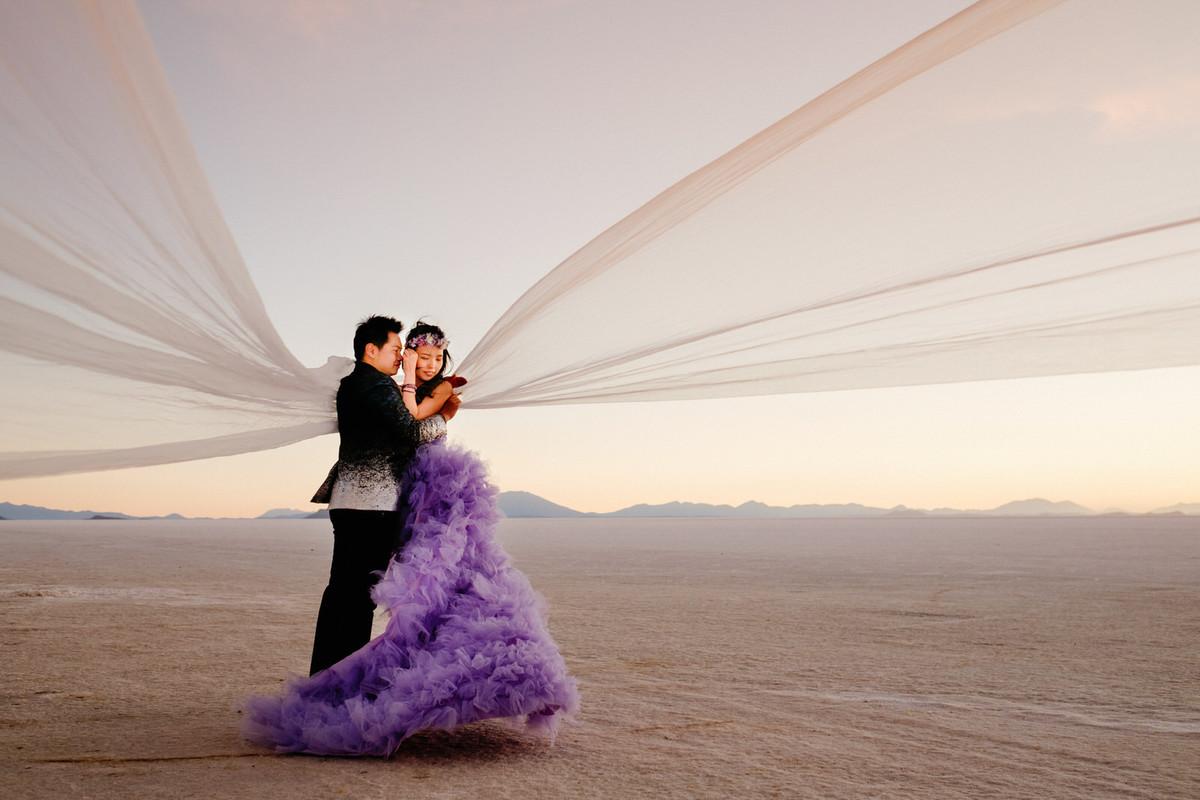fotos de boda en uyuni bolivia en el desierto de sal