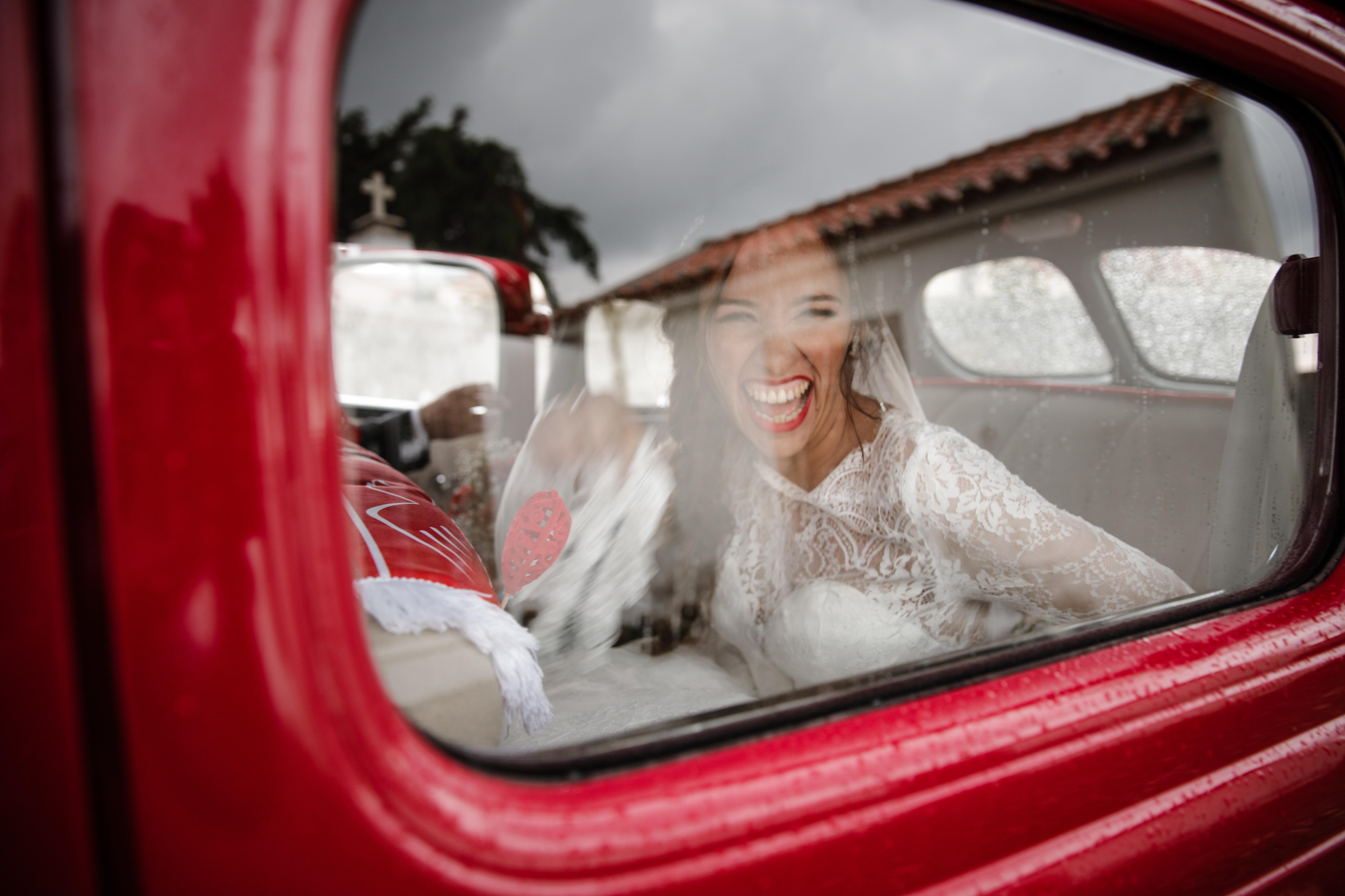 Contate Ludgi Fotografos - Fotógrafos de Casamento, Estúdio e Newborn em Setúbal