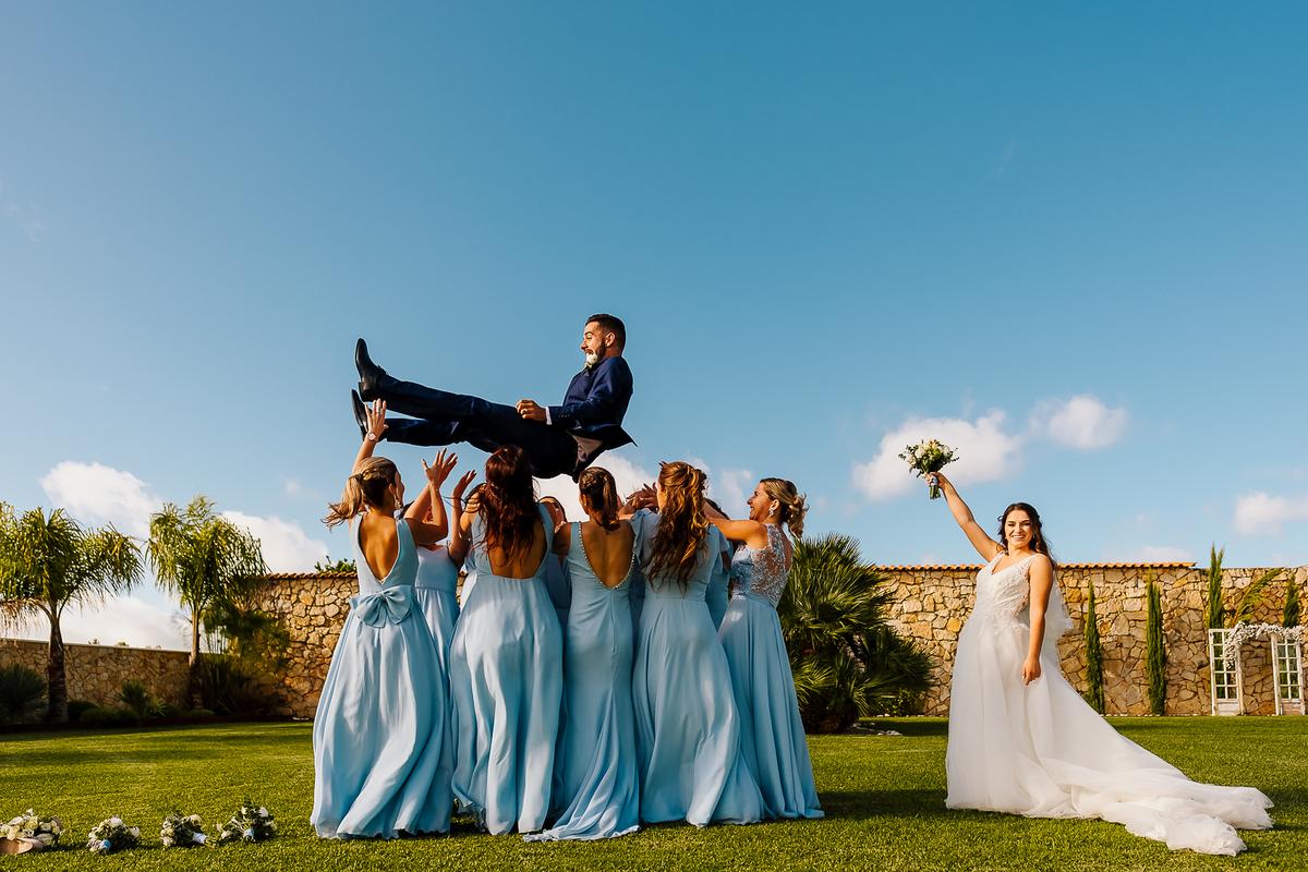 Imagem capa - Como evitar que se recordem do vosso casamento apenas pelo calor… por Emotion Photography
