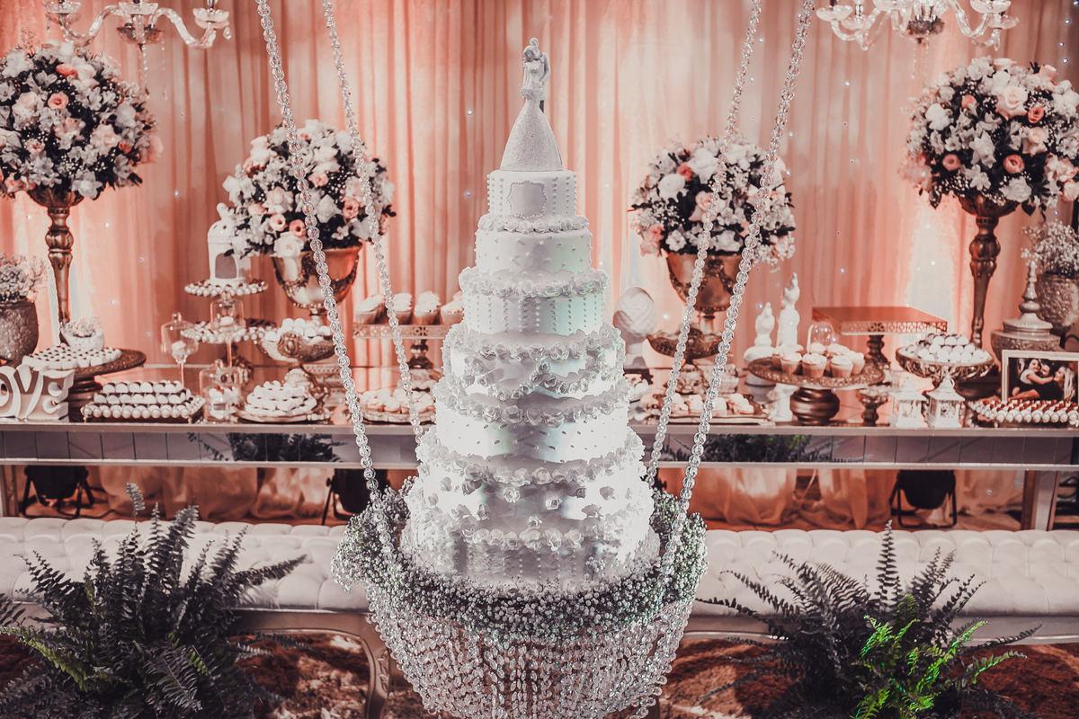 Imagem capa - 5 dicas imbatíveis para escolher o bolo de casamento dos sonhos.  por Gilberto  Maçaneiro