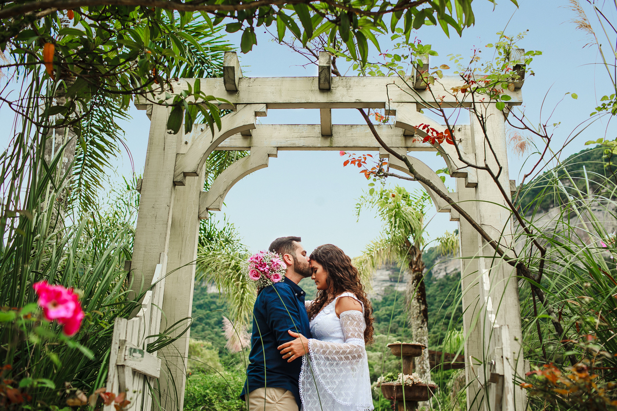 Imagem capa - O que você precisa saber antes de fazer seu ensaio pré-wedding (pré-casamento) por Gilberto  Maçaneiro