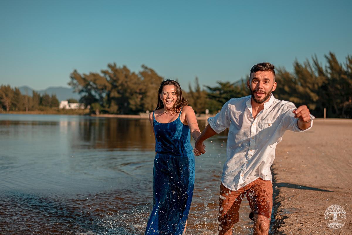 Imagem capa - Roberta e Marcelo - Praia da Ferrugem por Renan Cunha