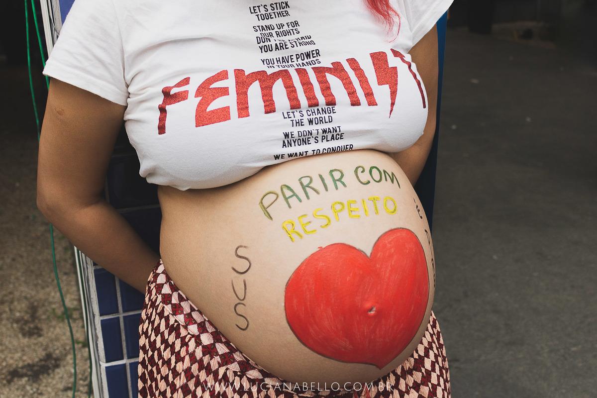 Imagem capa - Mulheres na luta por um SUS de qualidade. Parir com respeito é nosso direito! por Luciana Bello