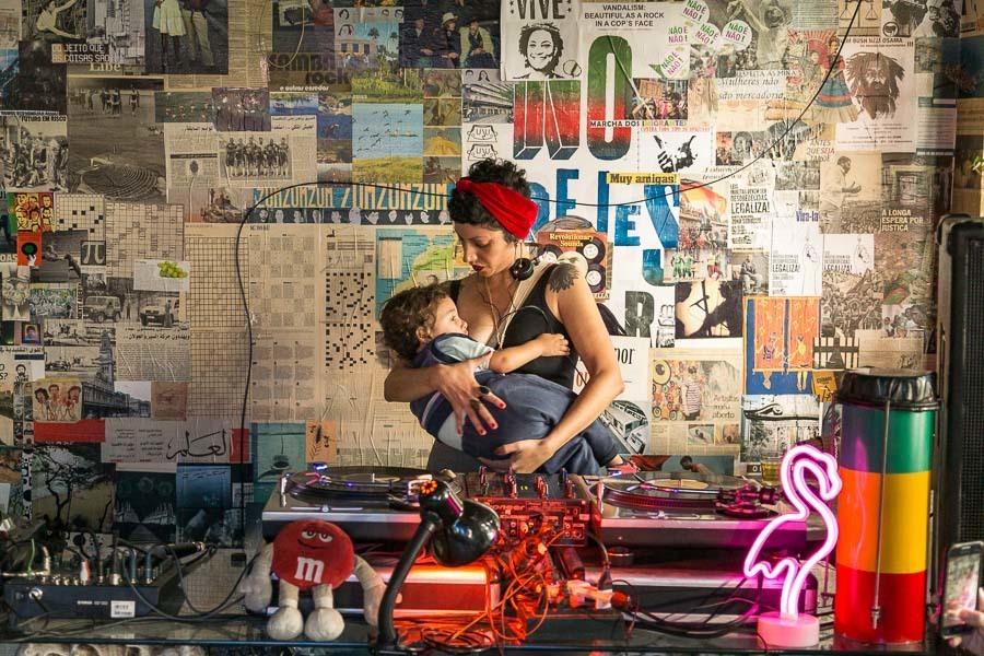 Imagem capa - Exposição Fotográfica Amamentar por Cris Augusta
