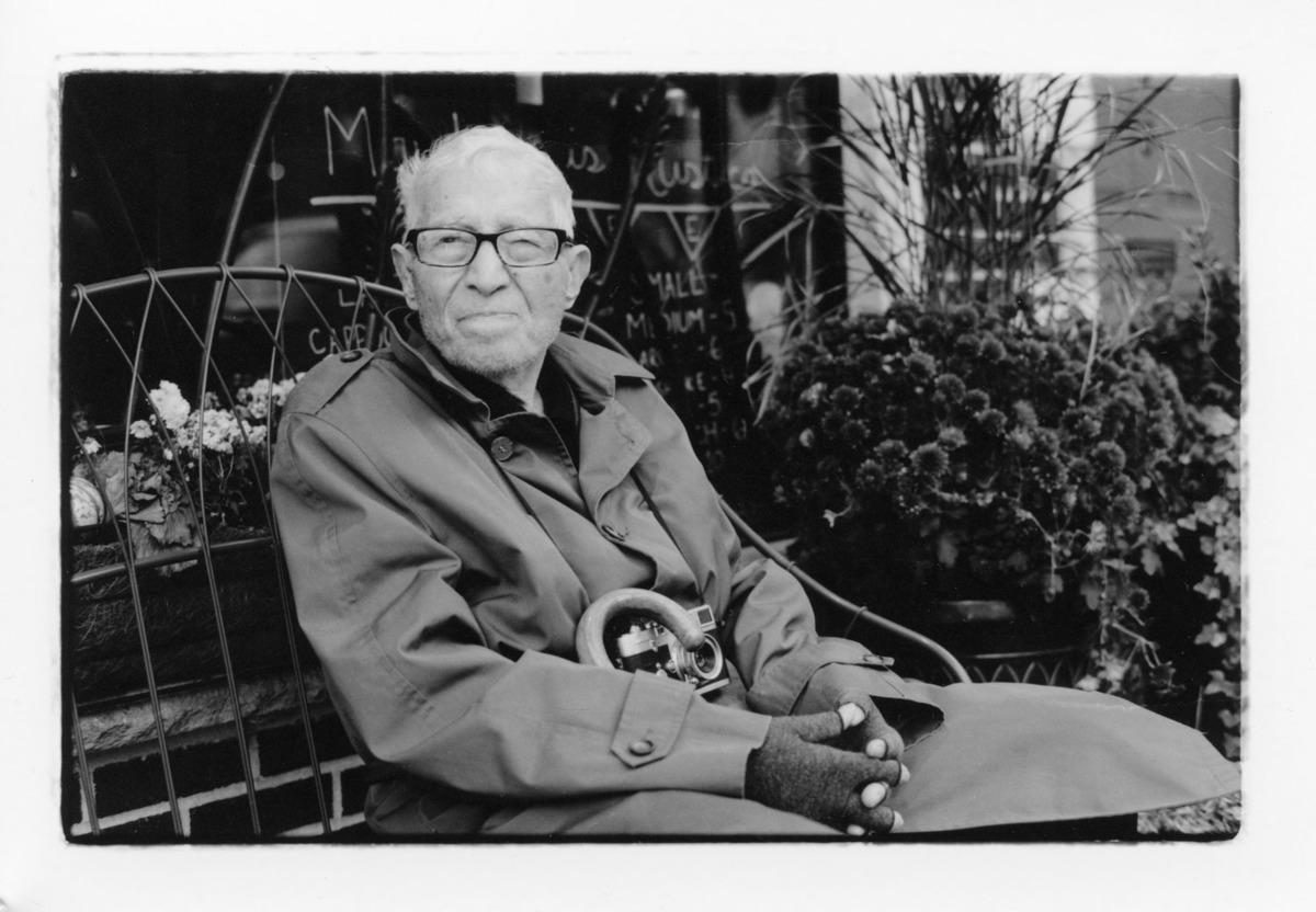 Imagem capa - Fotógrafo Tony Vaccaro sobrevive ao Covid aos 97 anos de idade por gilson lorenti