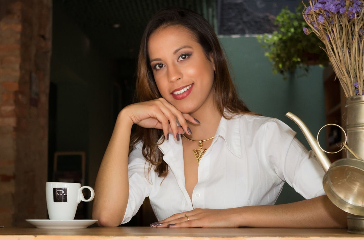 Imagem capa - Photalks - Entrevista com Sabrina Faedda por Stephanie Viana