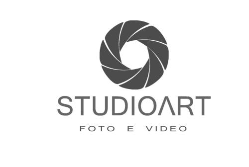 Logotipo de laudinei c munhoz