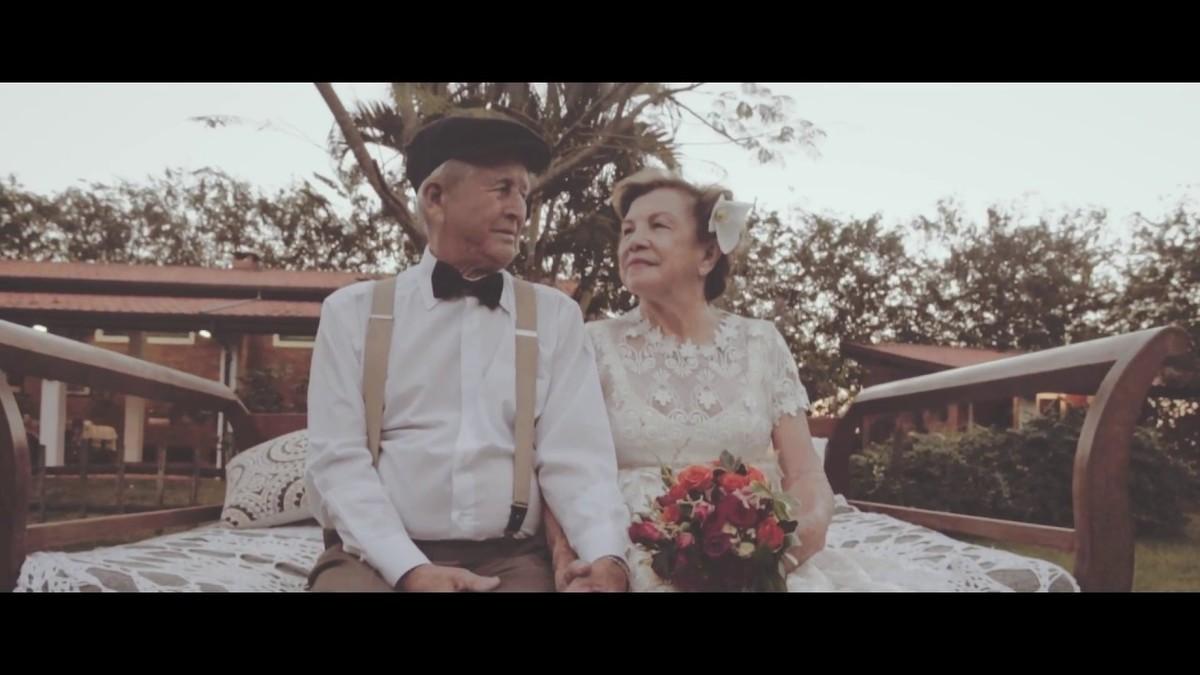 Imagem capa - Por que não assistimos aos Vídeos de casamento dos nossos pais ? por Victor LAfayett