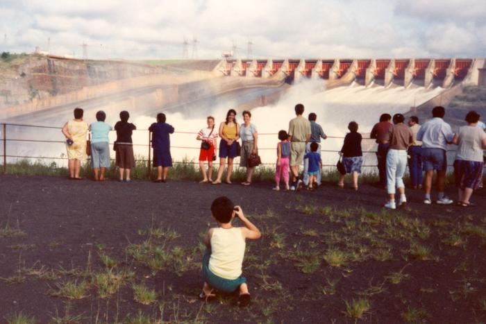Contate Ale Carnieri - Fotógrafo de Retratos, Famílias e Eventos
