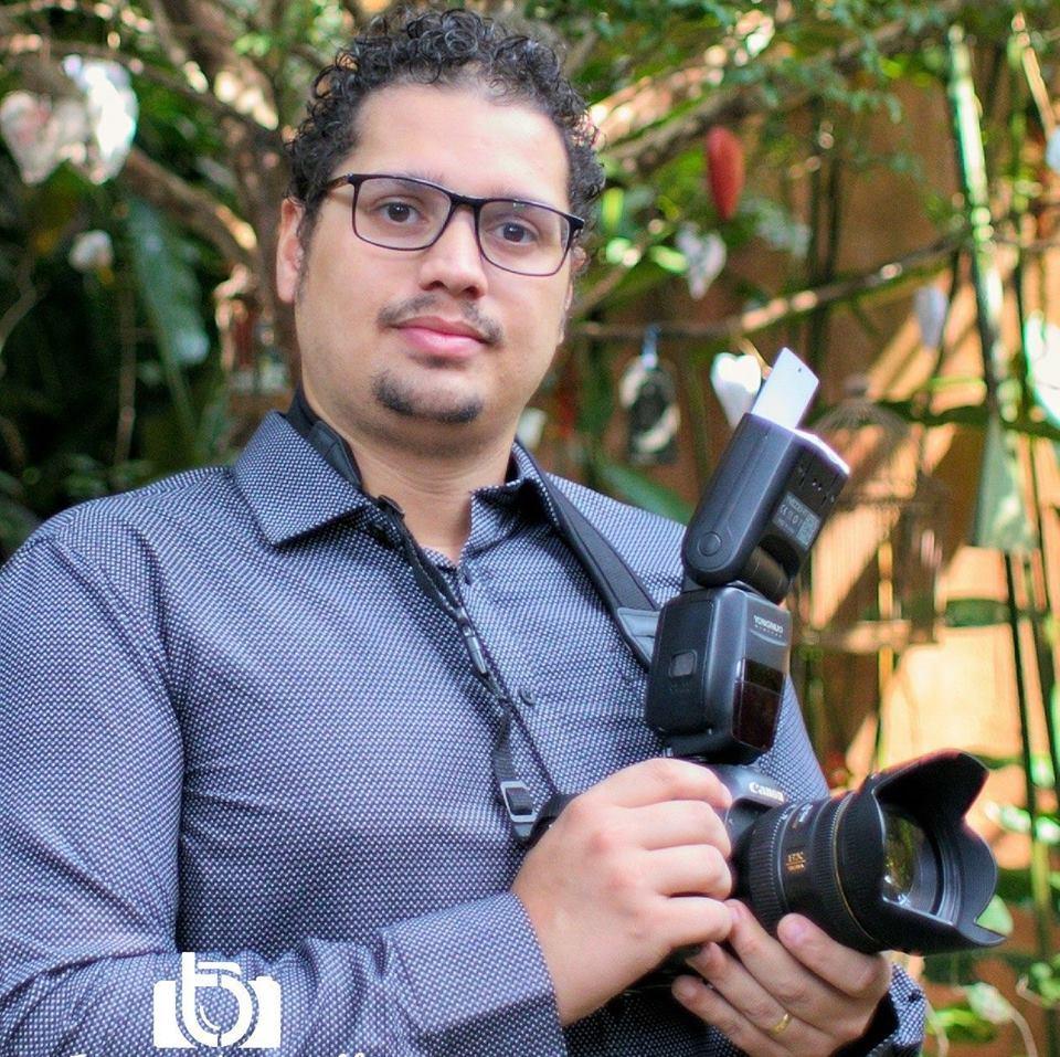 Contate Tomaz Barcellos - Fotógrafo de Casamento em Taboão da Serra