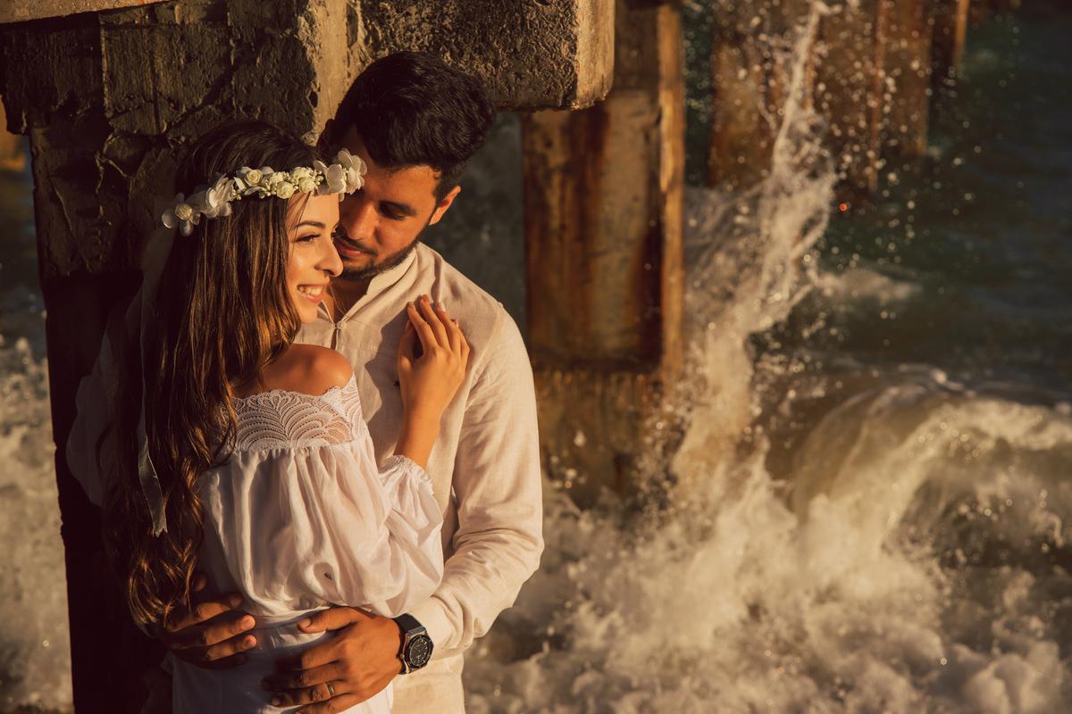 Imagem capa - Trash the dress: conheça a nova tendência entre as noivas  por Studio JR.