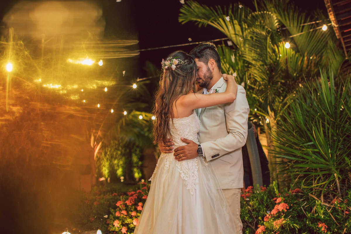 Imagem capa - 5 Dicas incríveis  para um casamento barato!  por Studio JR.