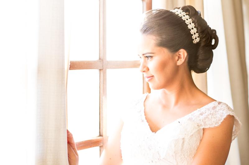Imagem capa - Dicas de Como Escolher o Acessório de Cabelo da Noiva por Studio JR.