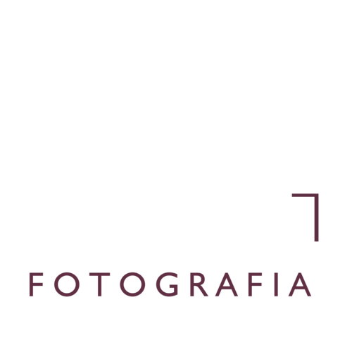 Logotipo de May Rabello