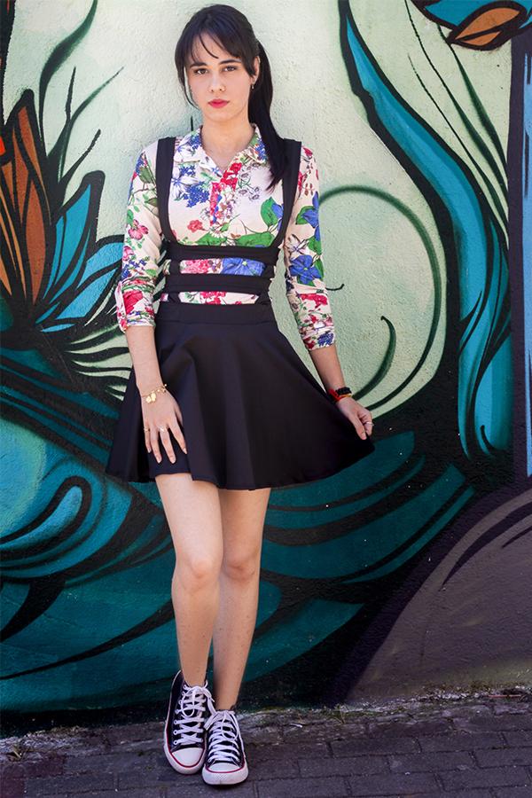 Ensaio feminino com vestido costurado pela modelo