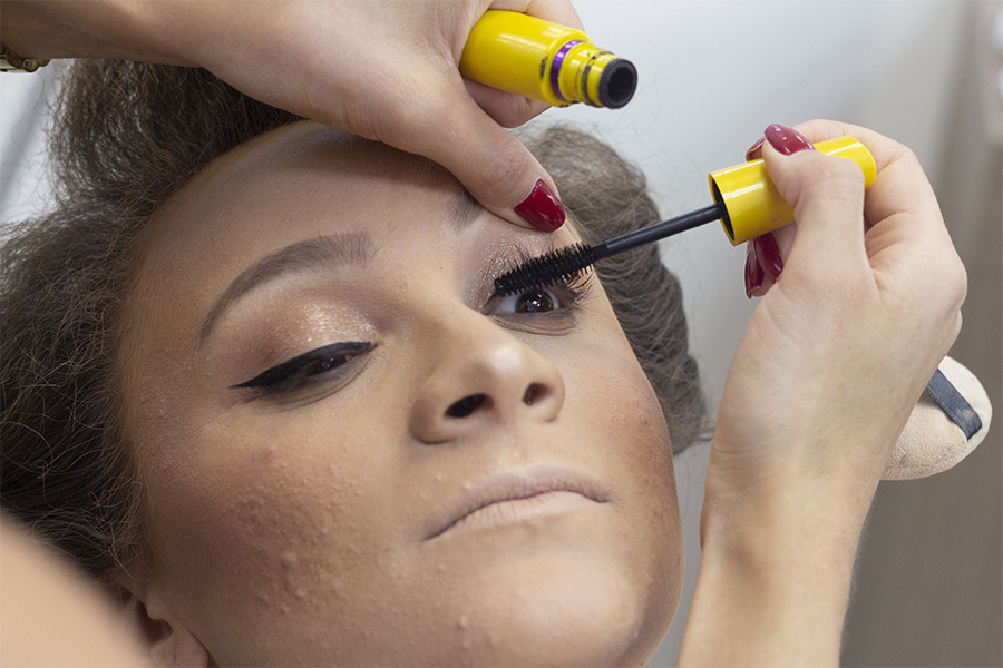Making off da noiva, momento da maquiagem