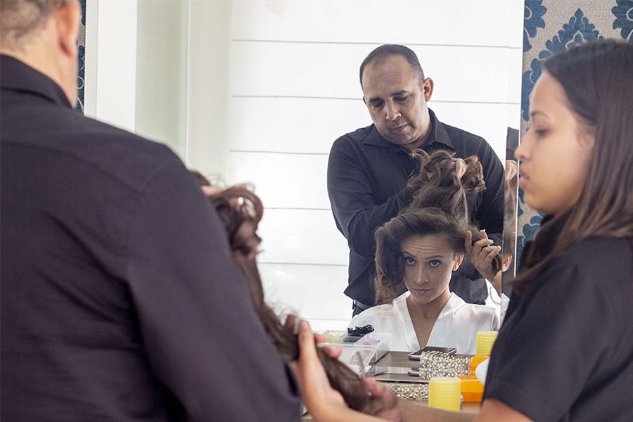 Making off da noiva, momento da do penteado por Gildo Alves