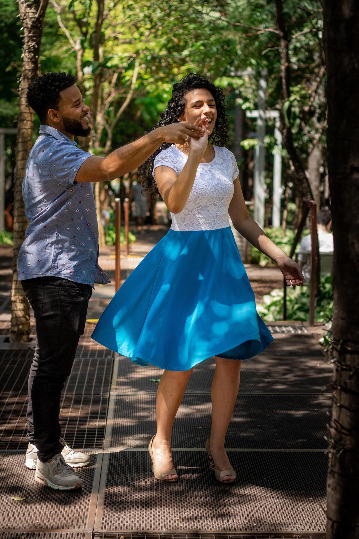 Ensaio de casal aniversário de namoro na Av. Paulista