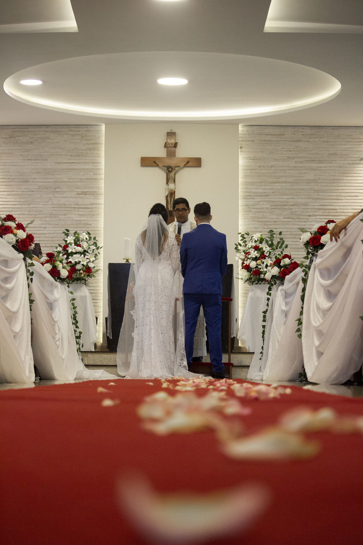 Casamento Bruno e Thalia na capela decorada