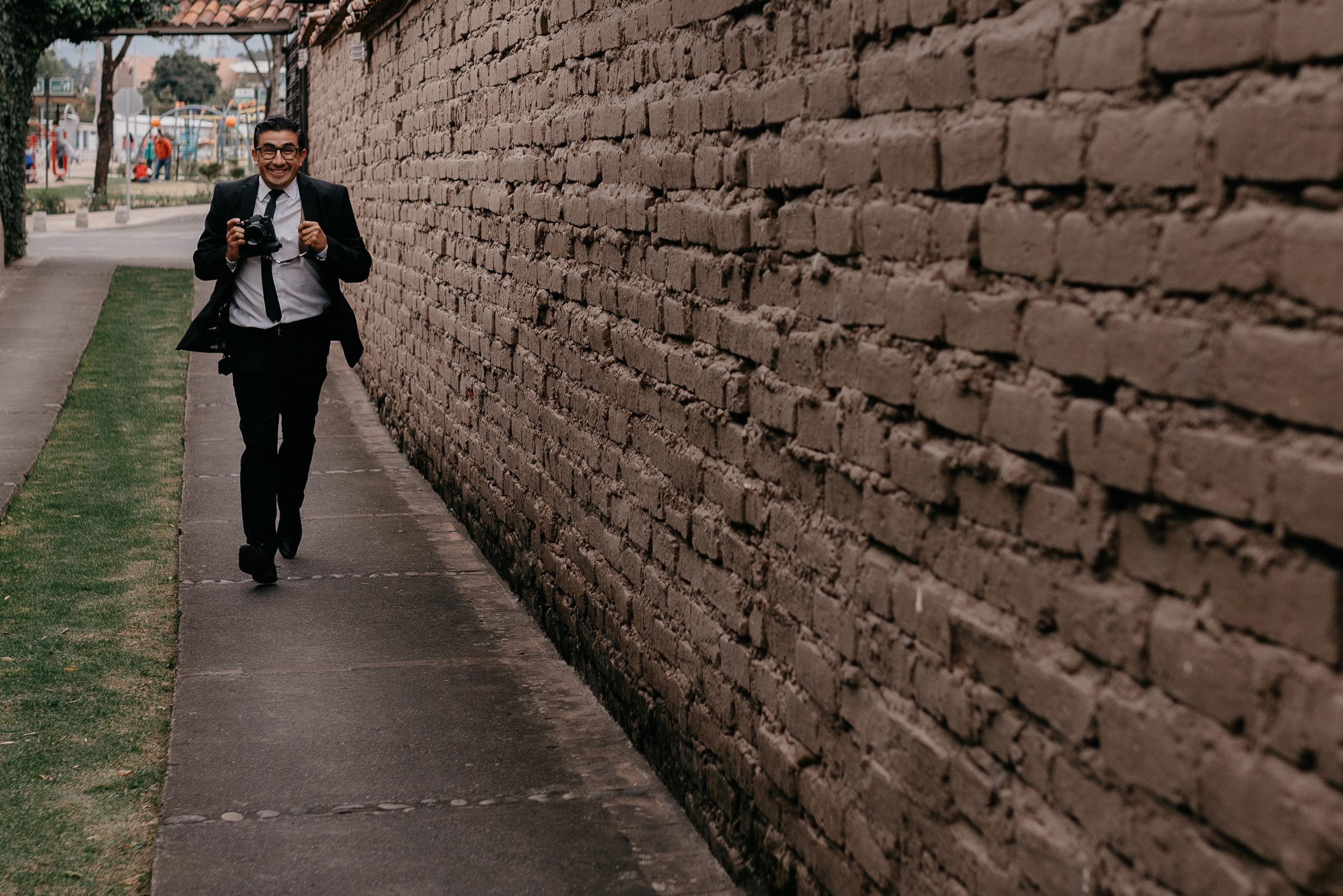 Acerca de Jorge Maldonado :  fotógrafo de bodas en Riobamba  y Quito