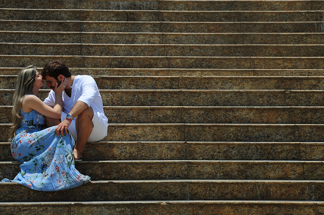 nas escadas do amor.