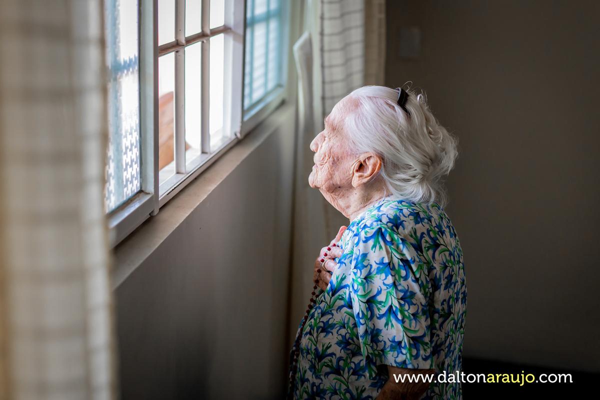 Imagem capa - 98 anos de muita fé e exemplo de vida por Dalton Carmélio L Araújo