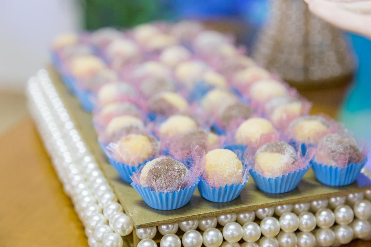 doces tradicionais de festa, dois amores, festa infantil curitiba, doces curitiba, festa para menina, decoração jardim