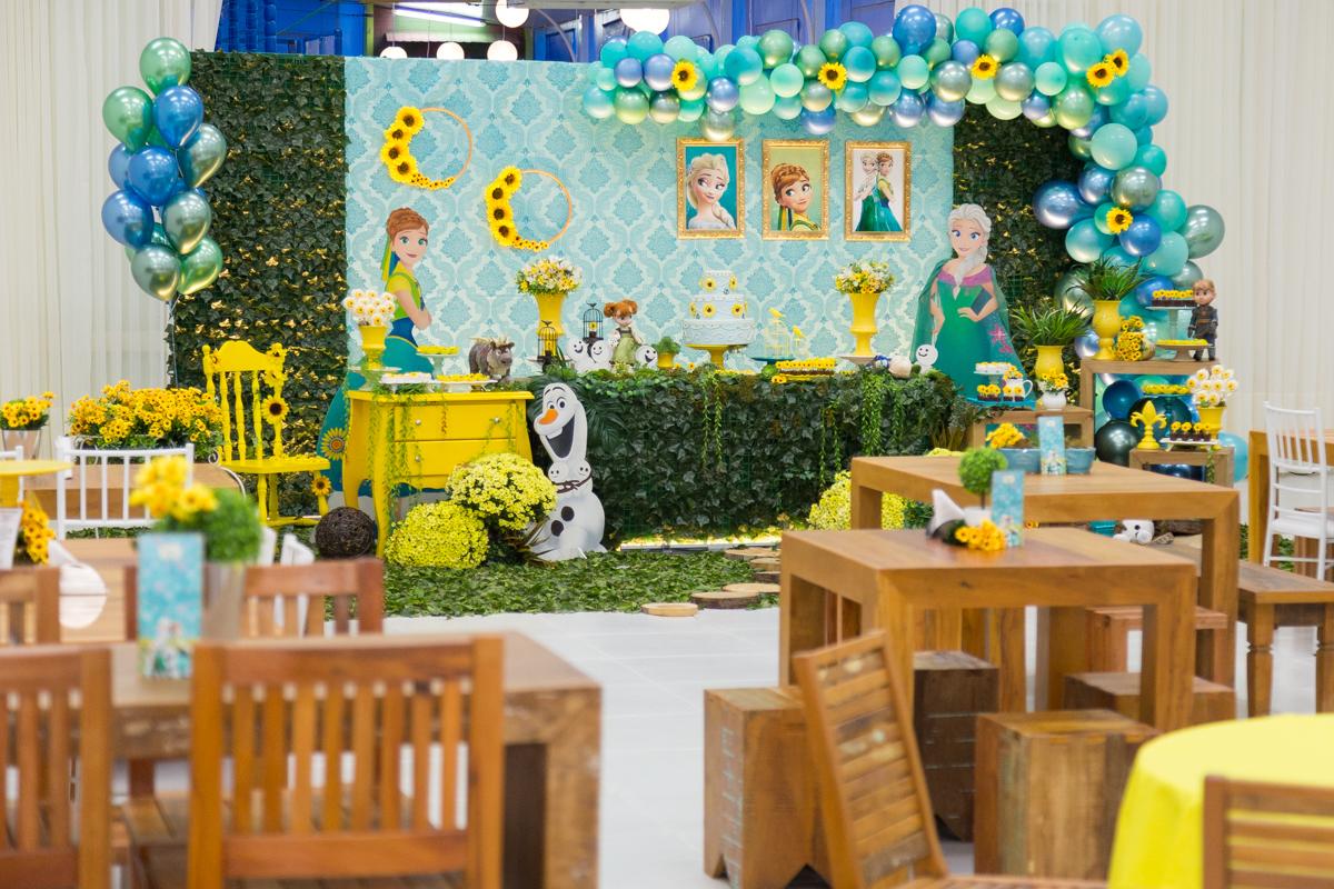 Buffet Divina Festa  , buffet curitiba , buffet infantil curitiba , Festa frozen , decoração infantil curitiba , fotógrafo infantil curitiba , fotógrafo de família curitiba , festa luxo curitiba , aniversário infantil , festa de menina.  idéia de festa