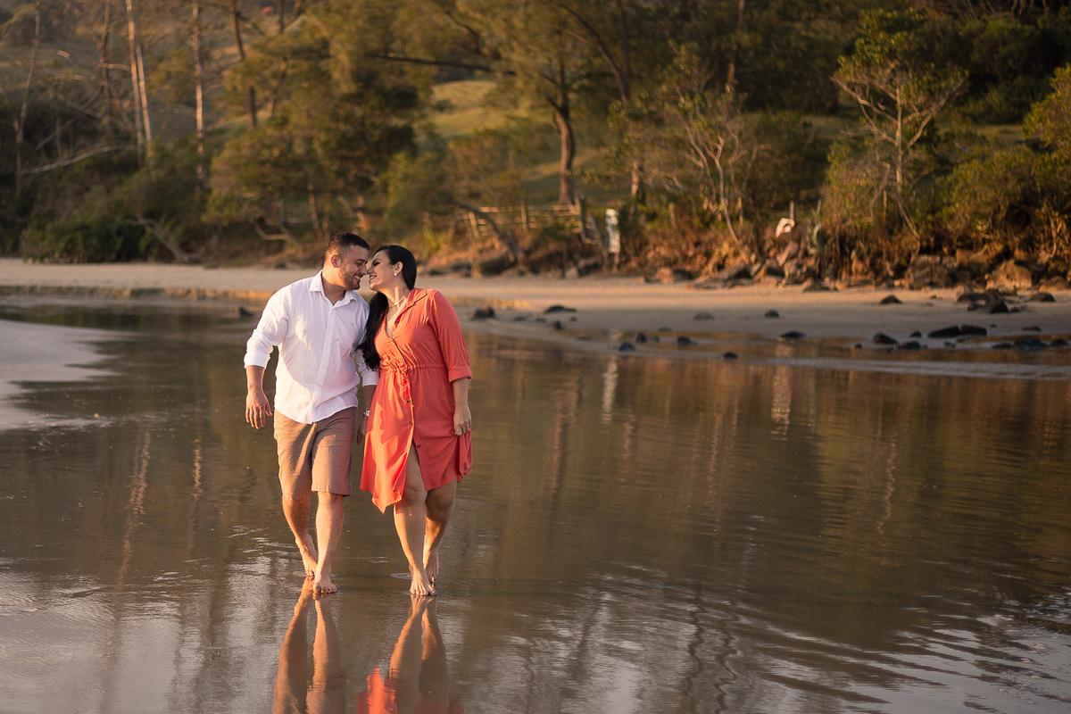 Ensaio de casal em casa, ensaio na praia do ouvidor, fotógrafo imbituba, praia do ouvidor santa catarina