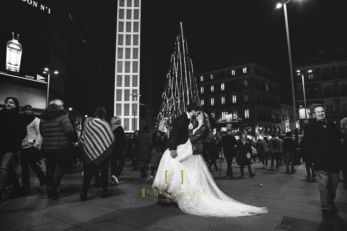 postboda, postboda madrid, postboda navidad, postboda navideño, postboda navidad madrid, fotografia navidad, novios navidad, novios madrid, postboda gran via, fotografia de boda madrid, fotografia de boda, impresium, fotografia y video de boda