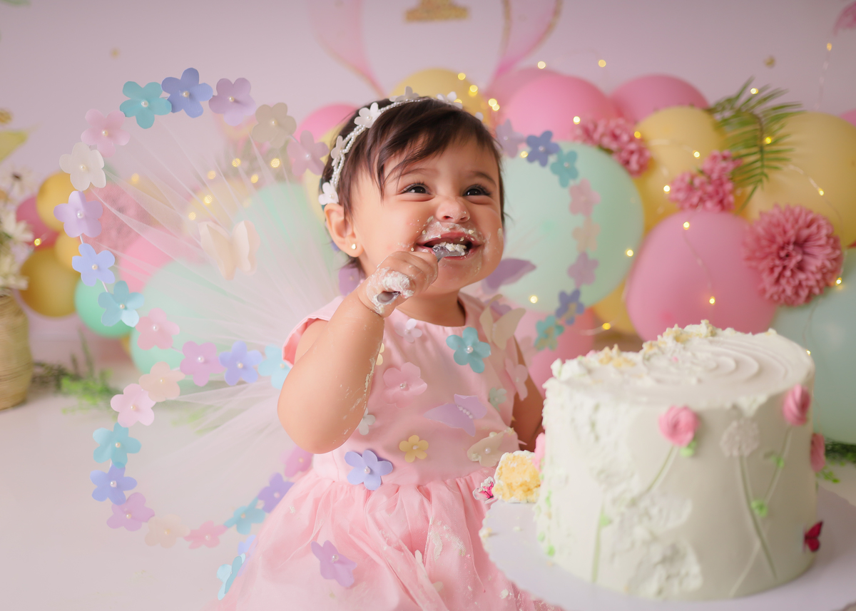 Imagem capa - Smash the Cake por Larissa dos Santos Moraes