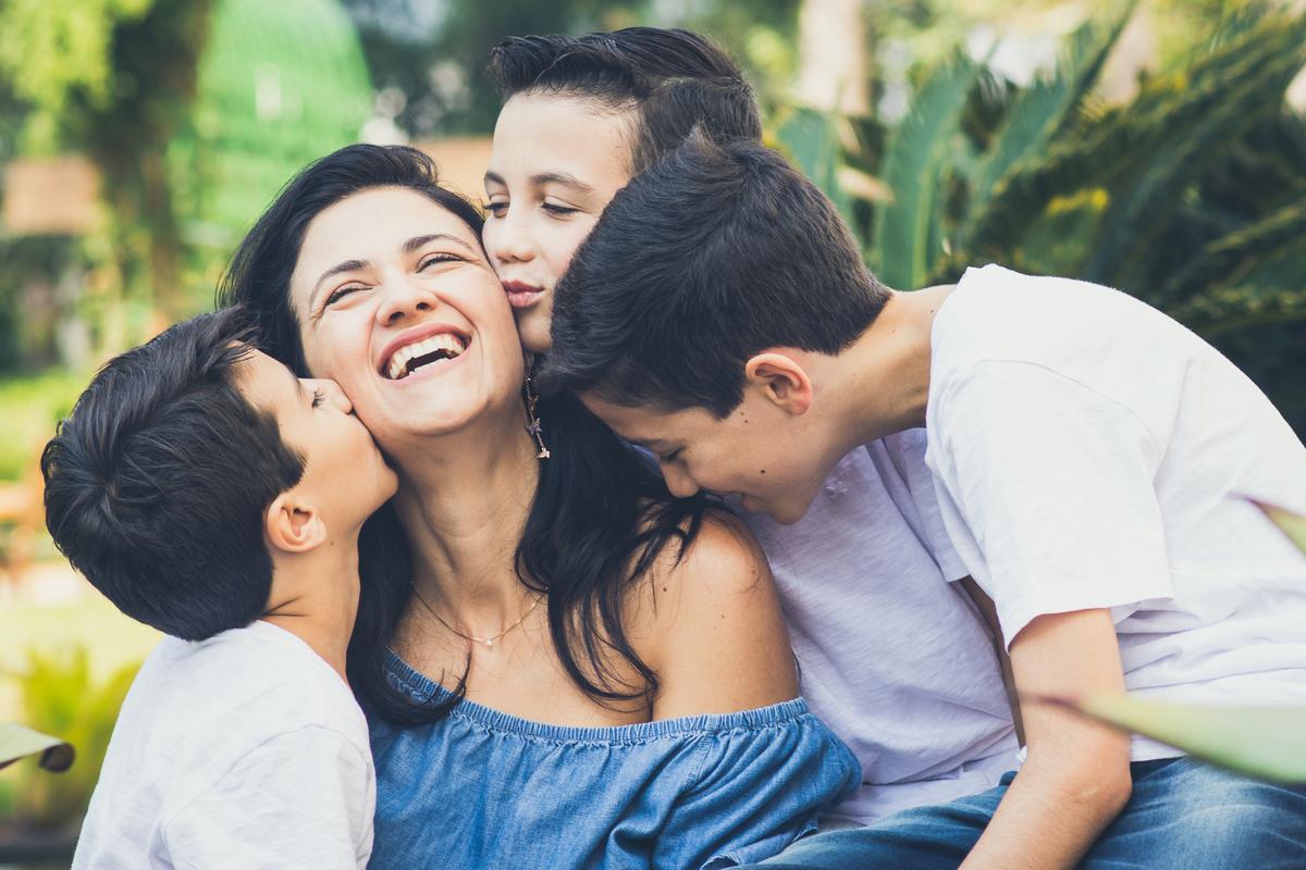 Imagem capa - 6 motivos pelos quais você deve fazer um ensaio em família! por Lis Godoy