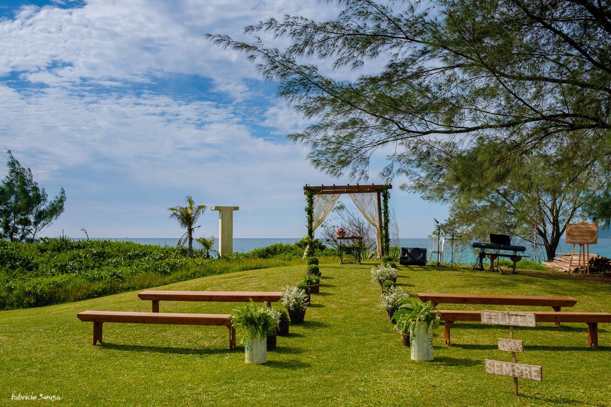 Imagem capa - Decoração para miniwedding na beira da praia no Hotel Morro das Pedras por Fabricio Sousa