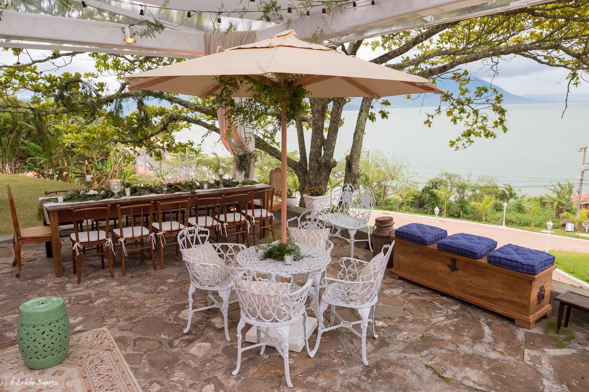 Imagem capa - Inspiração de decoração de almoço no jardim por Thai Pasin na Villa Casarão por Fabricio Sousa