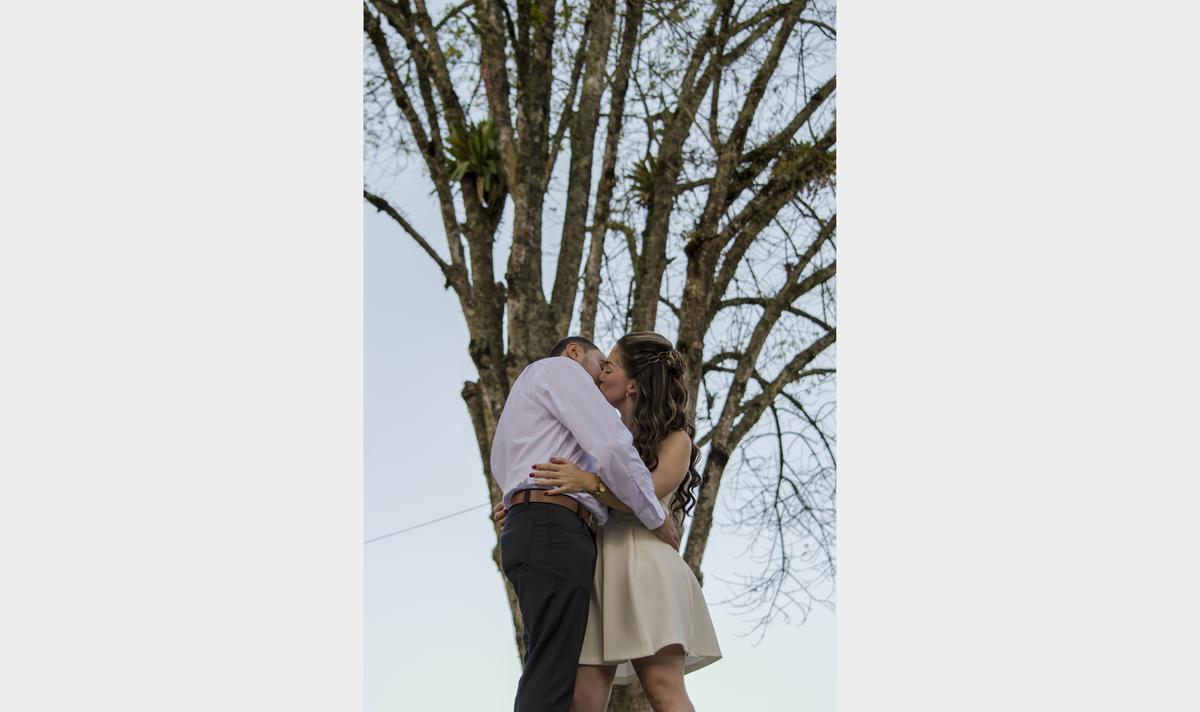 Imagem capa - Nuestra primera boda como fotógrafos, con cámara prestada por Gisela Giraldo Fotografía