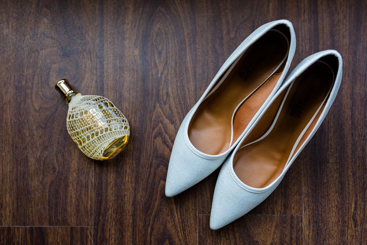 Imagem capa - Cinco erros na hora de escolher os sapatos de noiva por André Furtado