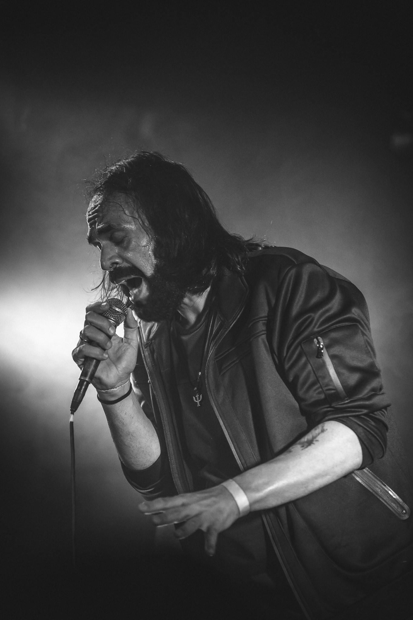 Renato Sansil (cantor e compositor na enfadophones)